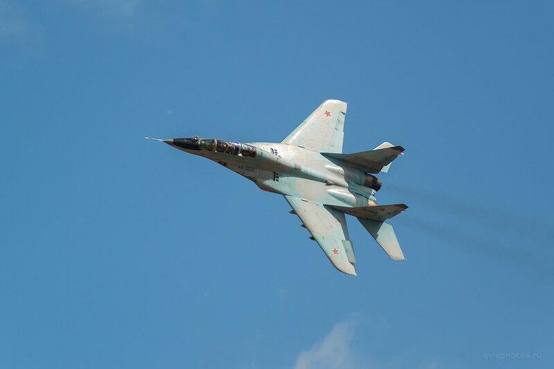 Микоян-Гуревич МиГ-29УБ (RF-92268 / 35 красный) D809616