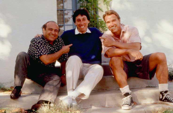Дэнни Де Вито, режиссер Айвен Райтман и Арнольд Шварценеггер на съемках фильма «Близнецы»,