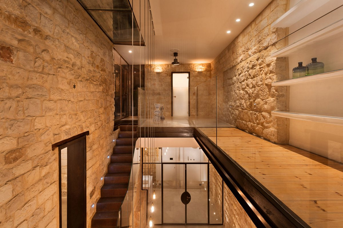Stone House Conversion, Henkin Shavit Architecture & Design, гора Мерон, современный дом из камня, современные дома в Израиле, стеклянные стены в доме