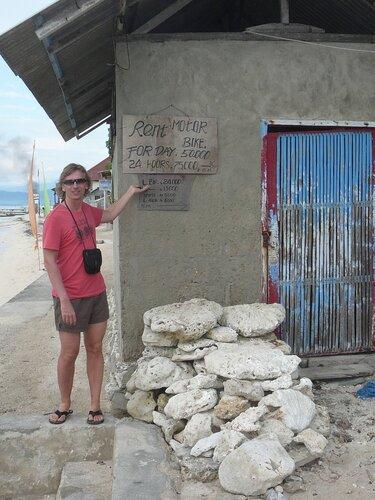 Набережная Jungut Batu на острове Lembongan с ее суперсервисом на все случаи жизни