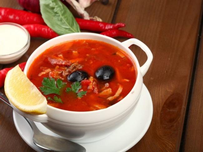 Знаменитый кулинар Вильям Похлебкин считал солянку фундаментальной основой русской кухни. Инезря: