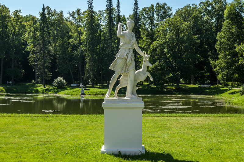 Diana of Versailles Sculpture in Oranienbaum