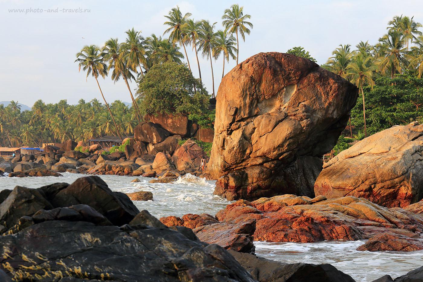 Фото 11. Скалы мыса. Пляж Палолем. Южное Гоа. Отзывы туристов об отдыхе в октябре в Индии (24-70, 1/60, -1eV, f9, 70mm, ISO 100)