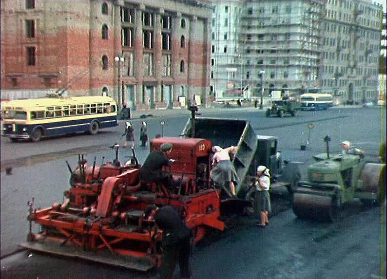 52295 Садовая-Самотечная улица Москва в цвете 1951.jpg