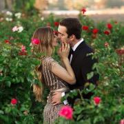 Парочка в розах