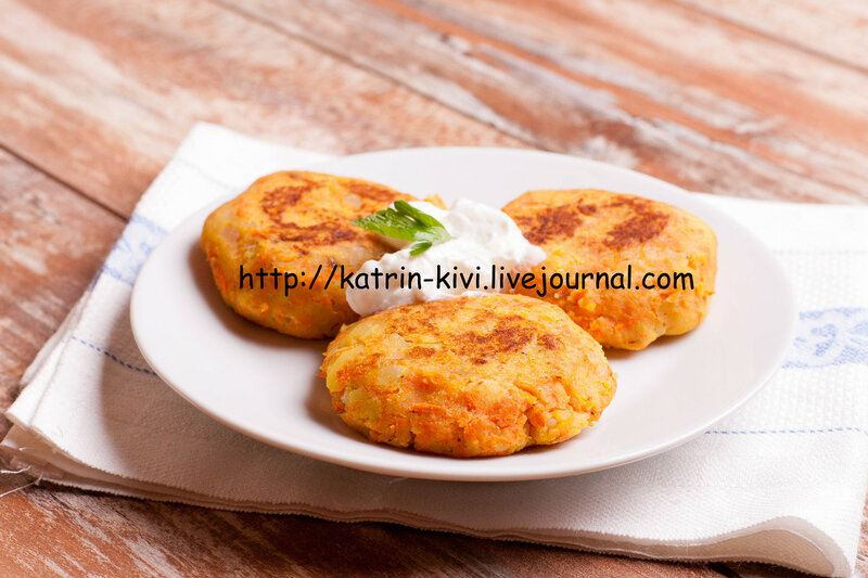 potato cutlets / pies / fritter