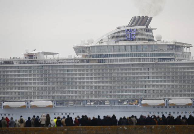 The Harmony of the Seas ( Oasis 3 ) class ship leaves the STX Les Chantiers de l'Atlantique shi