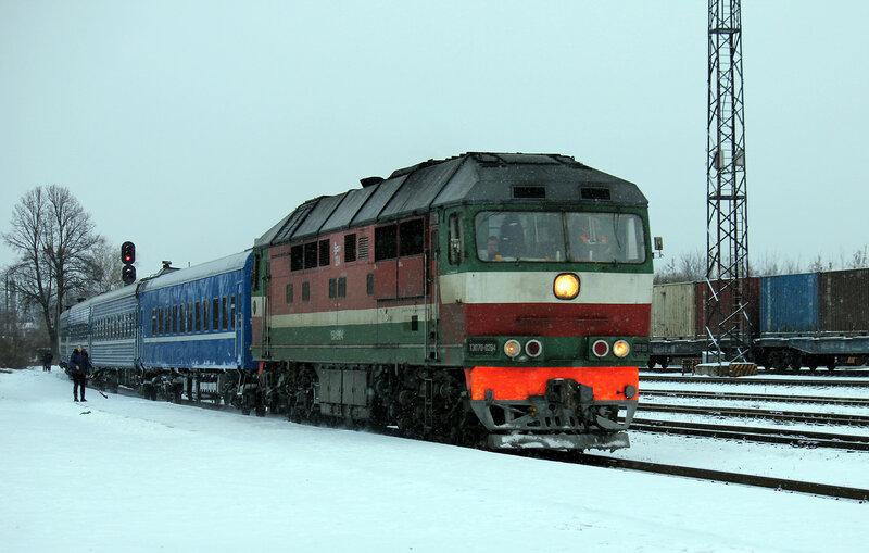 ТЭП70-0284 с поездом 065Б Мурманск - Минск на станции Невель-2