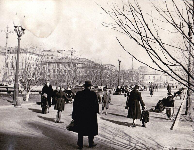 185857 Апрельским днём А.В.Ермолаев нач. 1960-х.jpg
