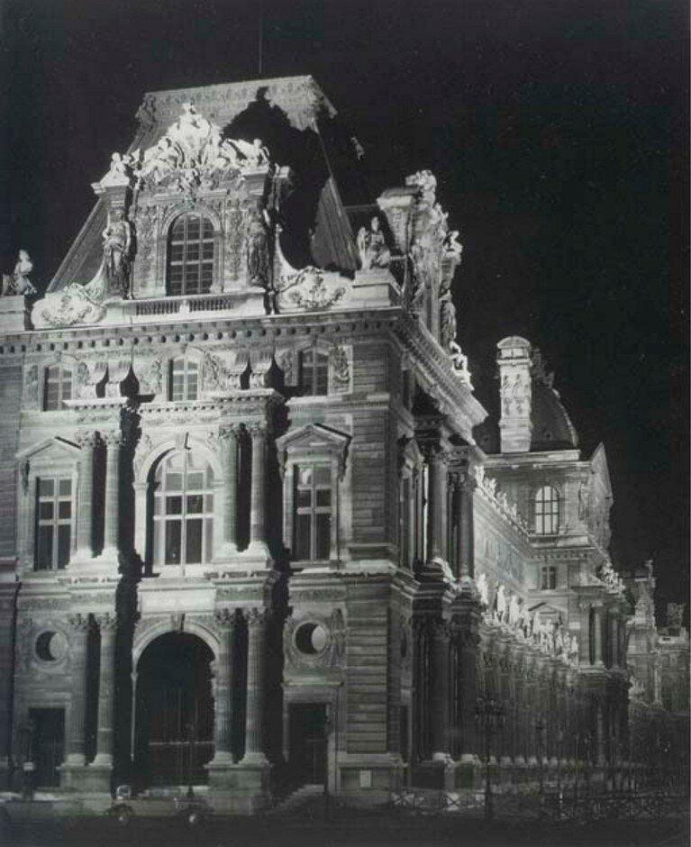 1933. Лувр ночью