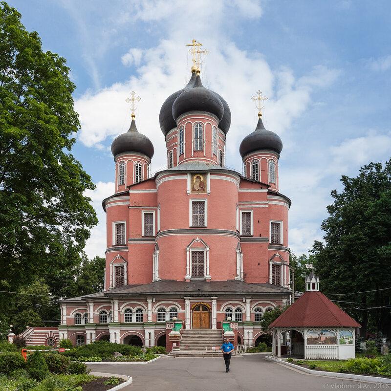 Большой собор в честь Донской иконы Божией Матери. Донской монастырь.