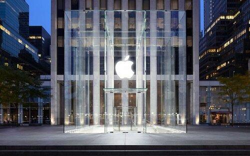 Нью-Йорк. Магазин корпорации Стива Джобса –« Apple Stоre»