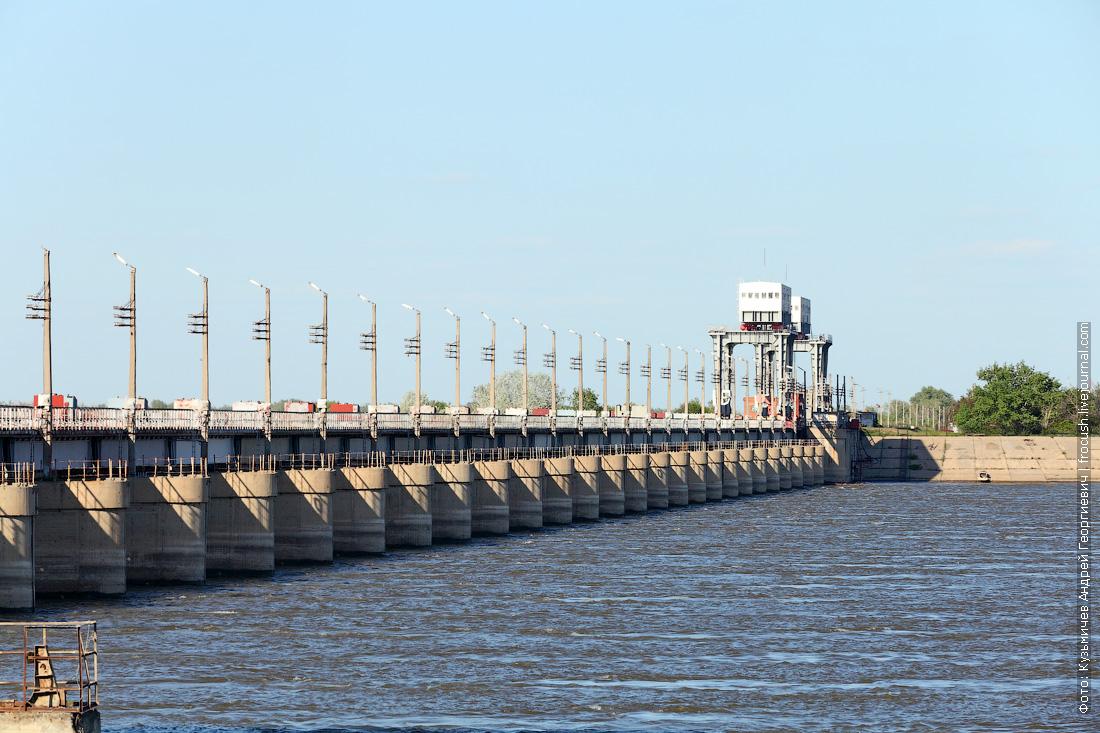 Астраханский вододелитель фото