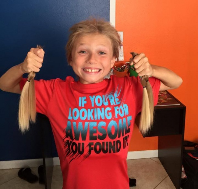 Кристиан 2года отращивал волосы итерпел насмешки одноклассников. Авсе ради того, чтобы пожертвова