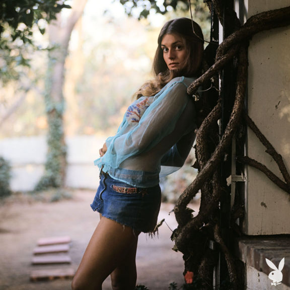 Мисс Сентябрь 1976 Whitney Kaine