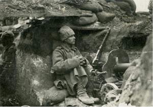 70. 1915–1916. Солдат Василий Лоскутов. Зима. Позиции на реке Сервечь, Минская губерния