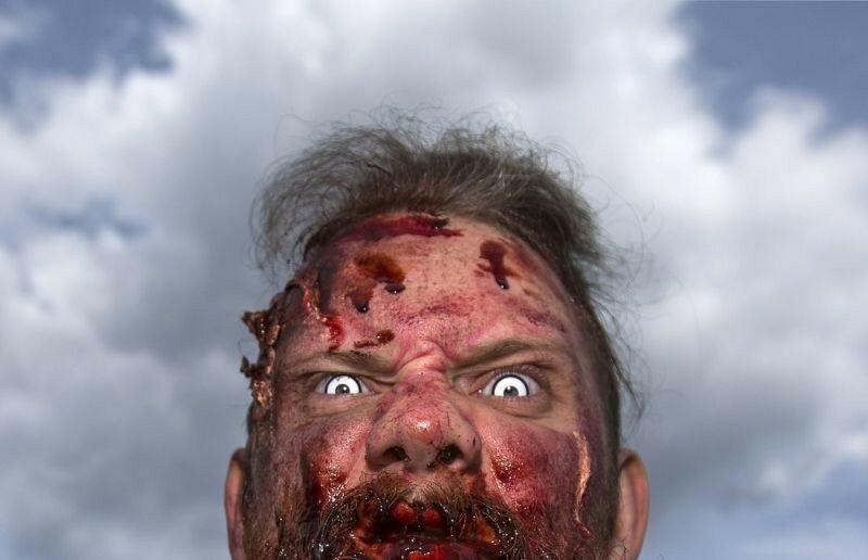 Окровавленные зомби в Брюсселе на фестивале фантастики 0 16078c 2038d1cd XL