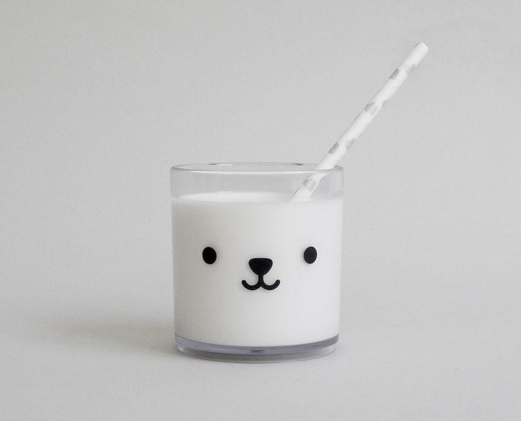 7. Стерилизованное молоко так же полезно, как и пастеризованное При пастеризации молоко подвергают о