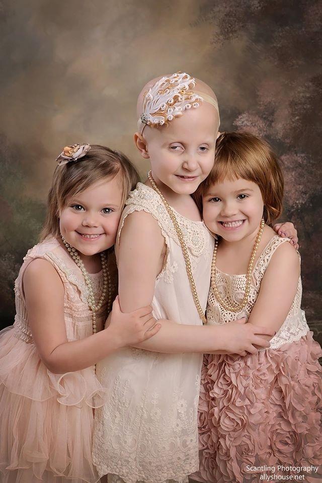 Фото два года спустя. За прошедшие два года девочки перенесли много сложностей, связанных с лечением