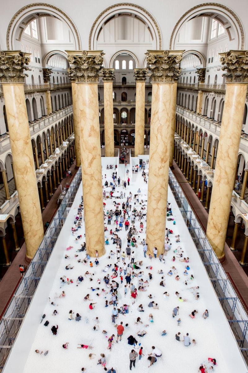 Национальный музей строительства в Вашингтоне (округ Колумбия) каждый год размещает у себя оригиналь