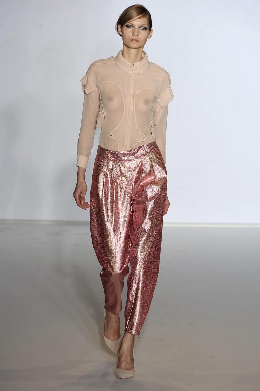 Голая мода