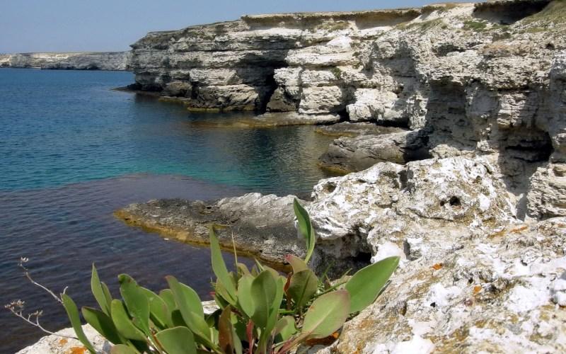 Тарханкут До конца ХVIII века население Тарханкутского полуострова было невелико, всего несколько со