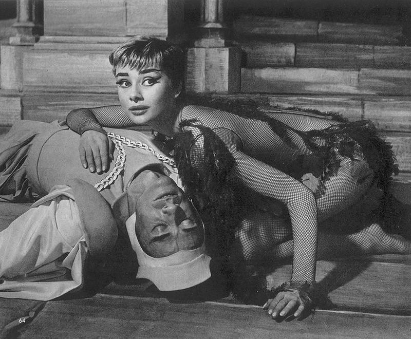 4. Роль русалки в постановке «Ундина», за которую Хепбёрн удостоилась премии «Тони», 1953 год.