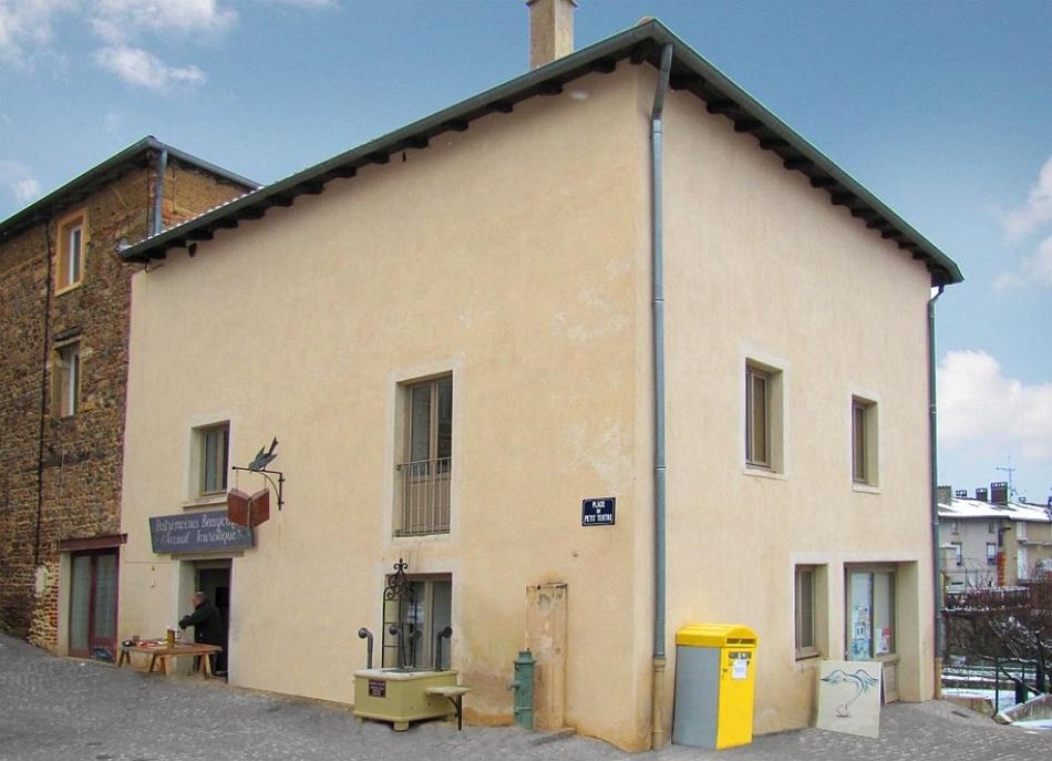 Француз находит скучные дома и превращает их в настоящие достопримечательности