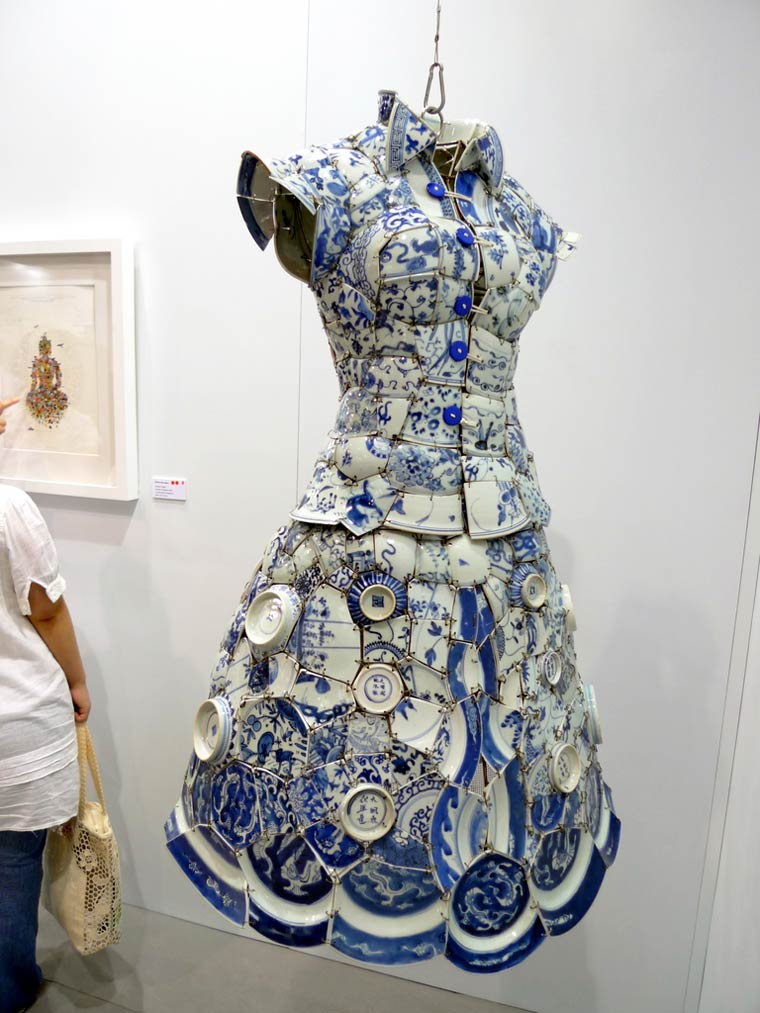 The Chinese pottery dresses of Li Xiaofeng