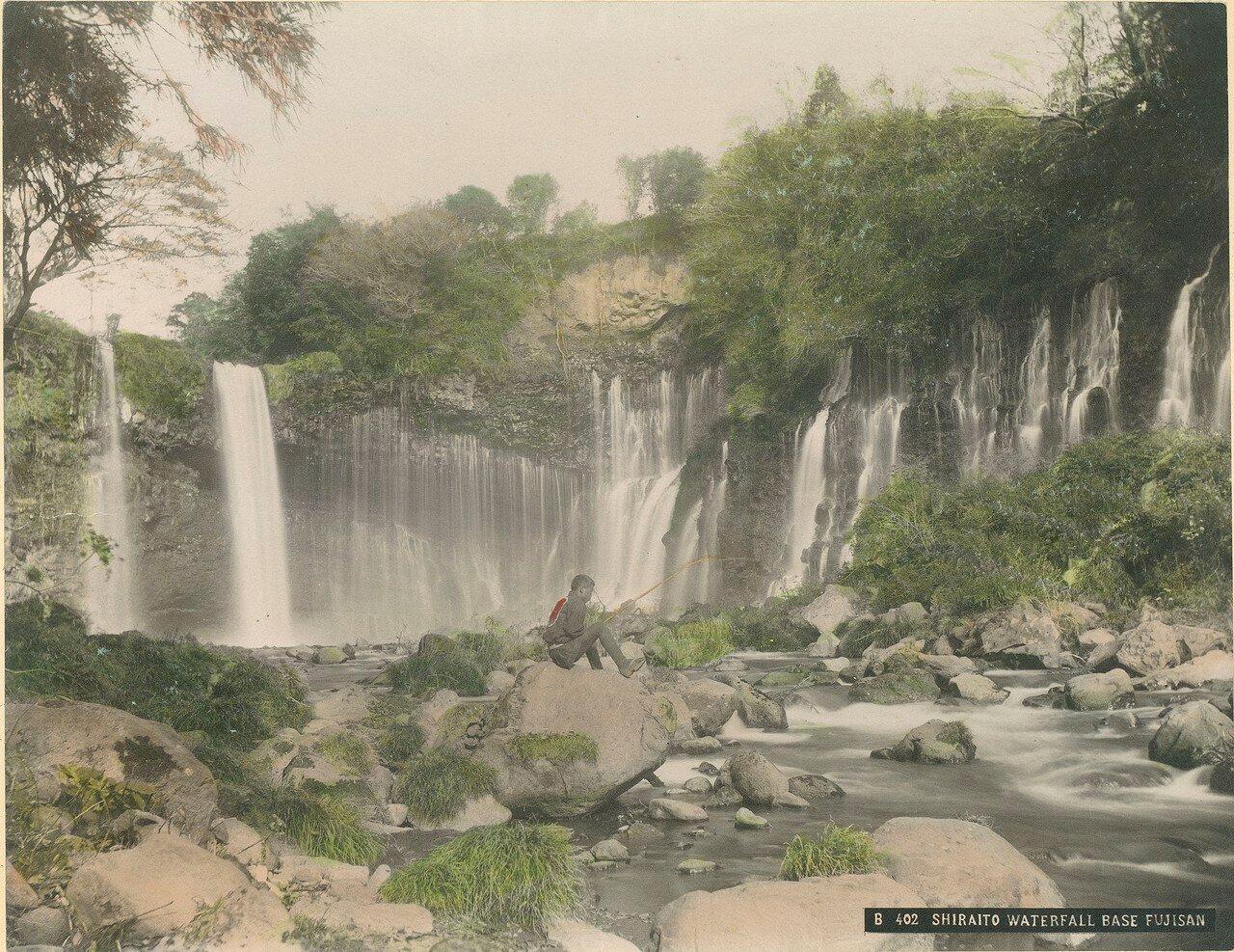 Водопад Шираито у подножия Фудзиямы