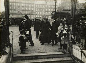 1914. На выходе из метро. 20 декабря