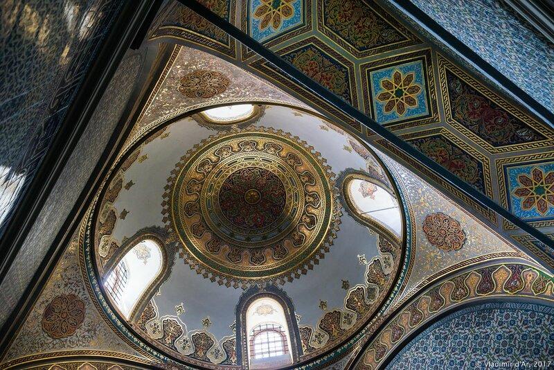 Дворец Топкапы в Стамбуле. Павильон Священной мантии и святых реликвий (Hirka-ı Şerif).