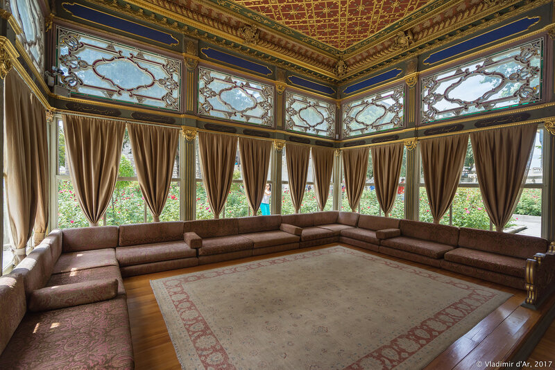 Дворец Топкапы в Стамбуле. Павильон Софы (Павильон Кара Мустафа Паша, MerdivenbaşıKasrı).