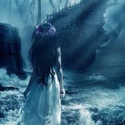 Девушка и корабль