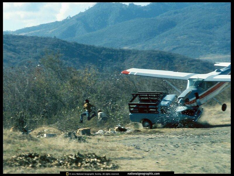 Plane Hits Truck Guatemala 1976.jpg