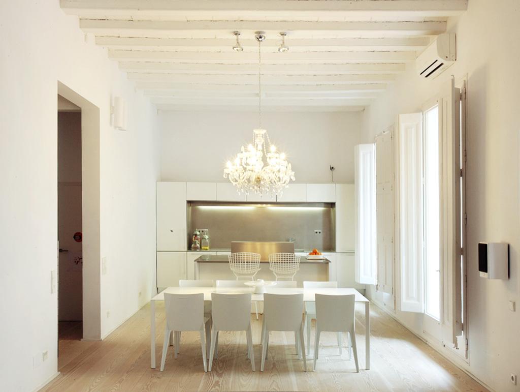 proyecto-interiorismo-vivienda-restauracion-claustro-gotico-gaudi-barcelona-11.jpg