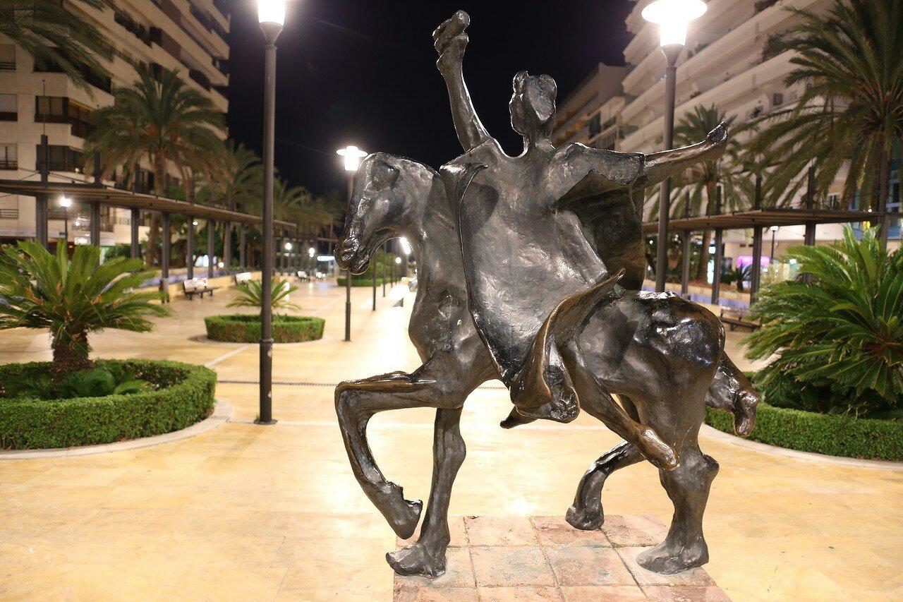 Ночная Марбелья. Скульптуры Сальвадора Дали