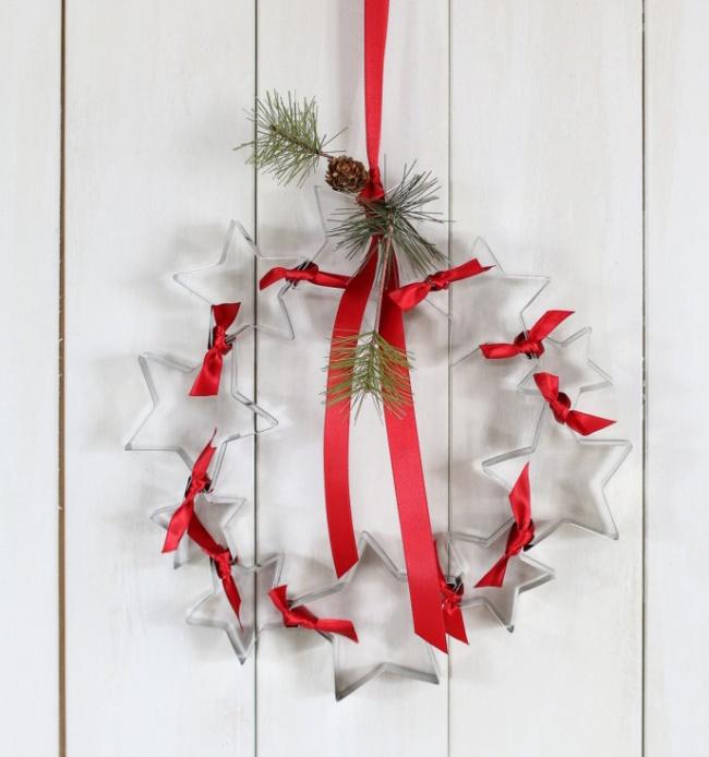 © inspiredbycharm  Уже испекли рождественские имбирные печеньки? Неторопитесь убирать формочк