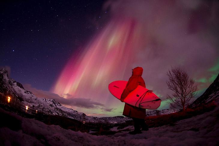 Лофотенские острова, Норвегия. Температура океана составляет 6-7°C, температура воздуха — около 0°C.