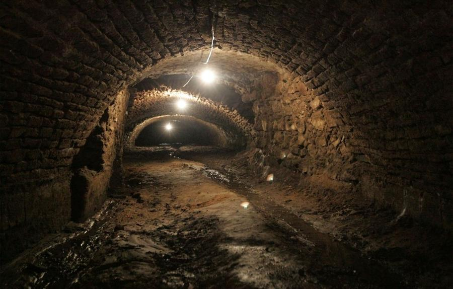 10. Один из нескольких древних подземных ходов, обнаруженных недавно под городом Пуэбла в Мексике, 3