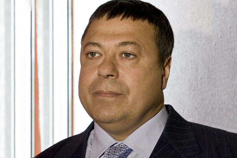 Сергей Михайлов требует удалить изпоисковиков 172 ссылки, связанные сним