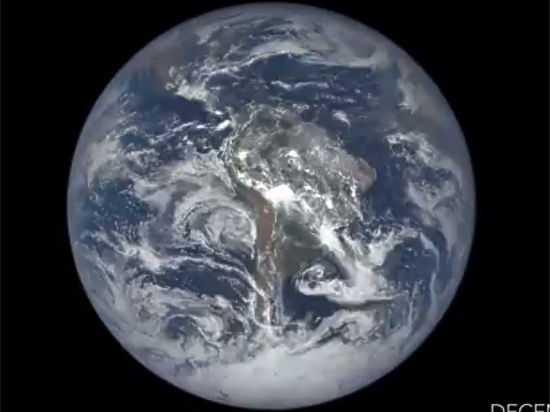 NASA показало год жизни Земли ввидеоролике длительностью  две мин.