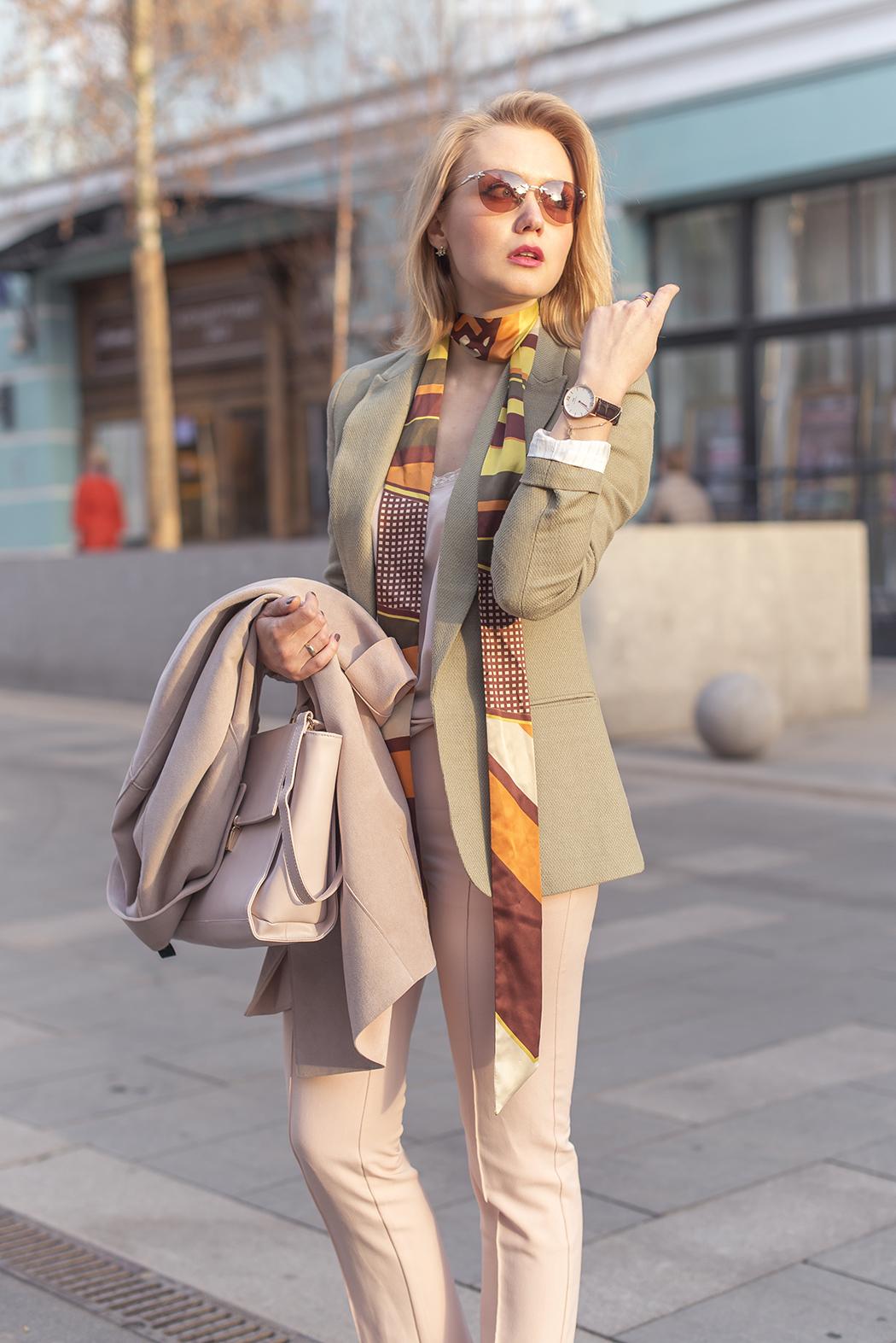 inspiration, streetstyle, spring outfit, annamidday, top fashion blogger, top russian fashion blogger, фэшн блогер, русский блогер, известный блогер, топовый блогер, russian bloger, top russian blogger, streetfashion, russian fashion blogger, blogger, fashion, style, fashionista, модный блогер, российский блогер, ТОП блогер, ootd, lookoftheday, look, популярный блогер, российский модный блогер, russian girl, пастельная одежда, с чем носить пастельную одежду, как сочетать пастельные цвета, pastel colors, pastel colors combination, цветовые сочетания, next, next.com.ru, streetstyle, красивая девушка, pastel coat, pastel jacket, pastel pants, pastel loafers, tiffany sunglasses, Анна миддэй, анна мидэй, marc cain fun velour coat, pastel outfit, pantone 2016, rose quartz, serenity, lilac grey