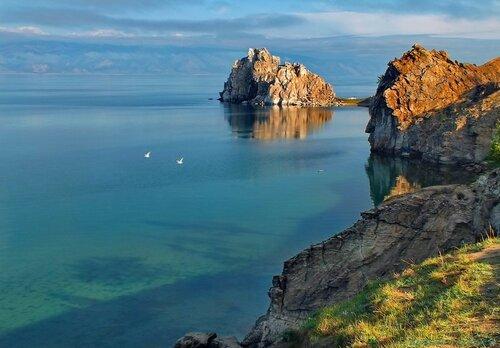 У скал Байкала