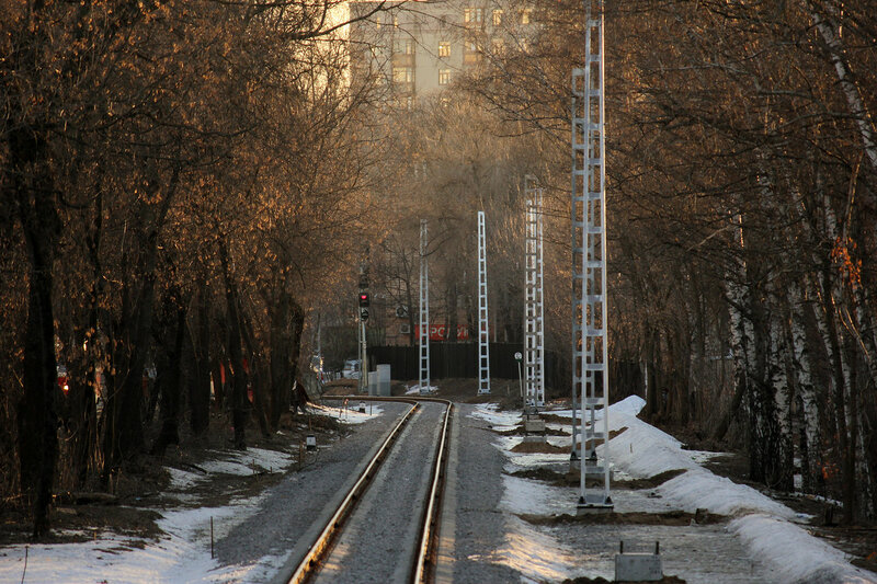 Столбы на перегоне Подмосковная - Серебряный бор