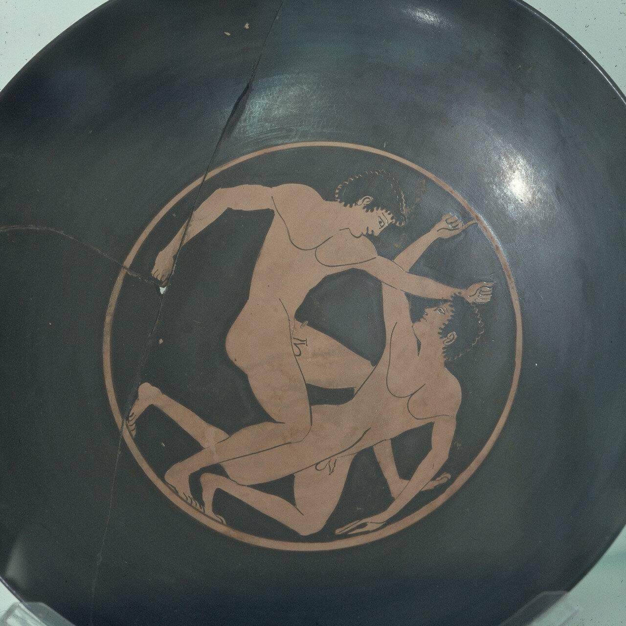 Афины. Археологический музей Афинской агоры.  Эпиктет. Кулачные бойцы, около 500 г. до н.э.
