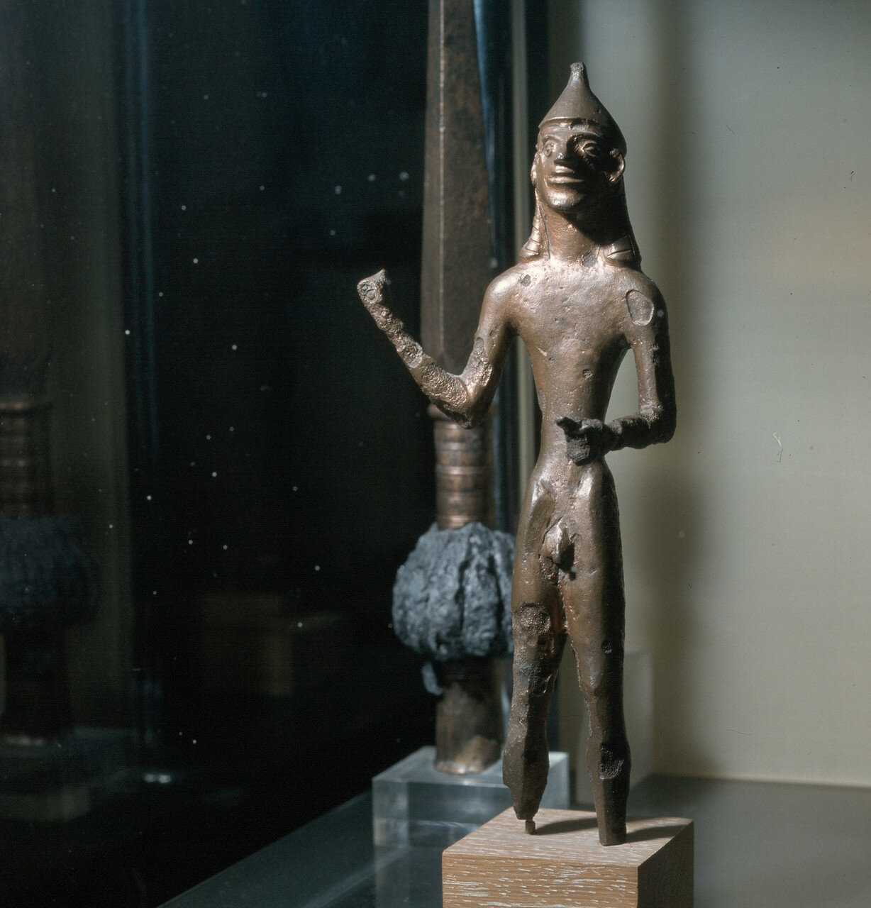 Афины. Национальный археологический музей. Богоявление Зевса. Олимпия