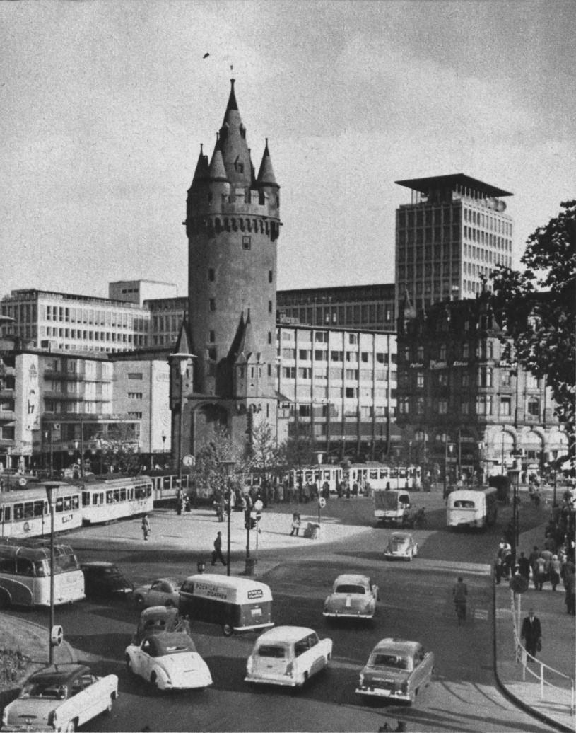 Башня Эшенхайм башни, города, башня, Эшенхайм, башне, город, уровне, Сегодня, стены, между, башен, Башня, крепостные, память, ворота, старые, флюгер, городские, период, Франкфурта