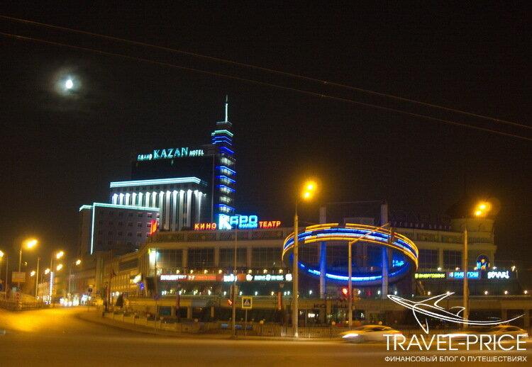 площадь Тукая ночью