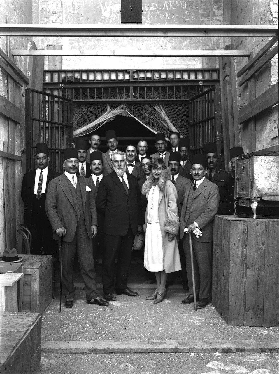 Посетители гробницы. 1922